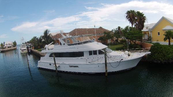 Hatteras 75 Cockpit Motor Yacht