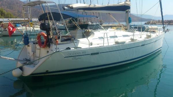 Beneteau Oceanis Clipper 393 Main