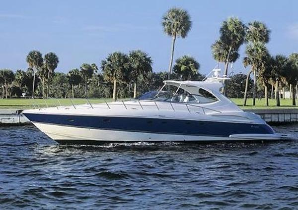 Cruisers Yachts 540 Express Port Profile
