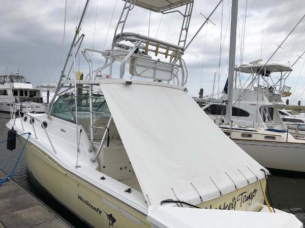 Wellcraft 330 Coastal Profile