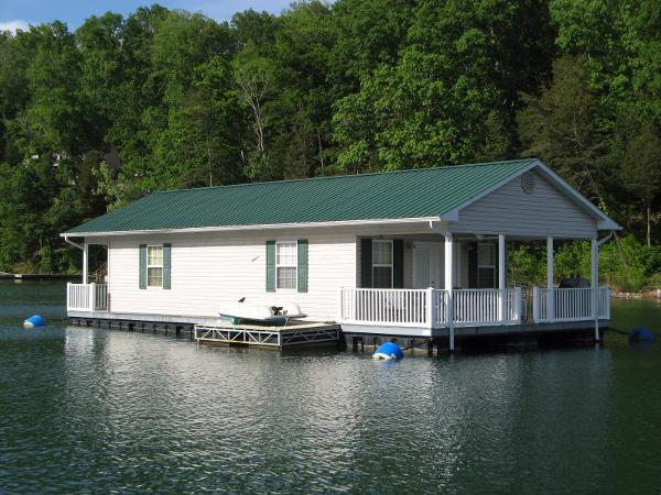CUSTOM BUILT 20 x 37 Floating Cottage