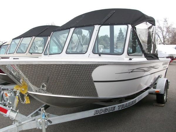 Alumaweld Stryker Sport 20 ft