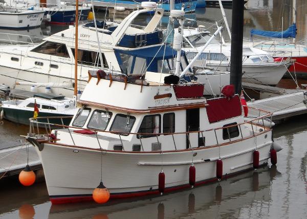 Neptune Classic 36 Trawler yacht