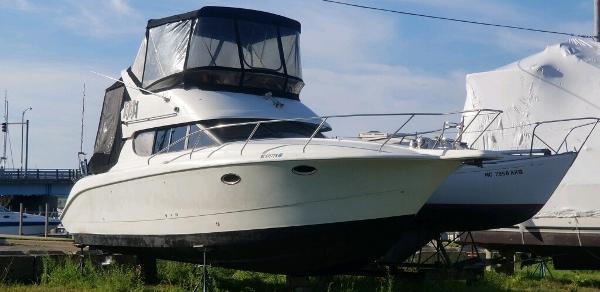 Silverton 312 Sedan Cruiser