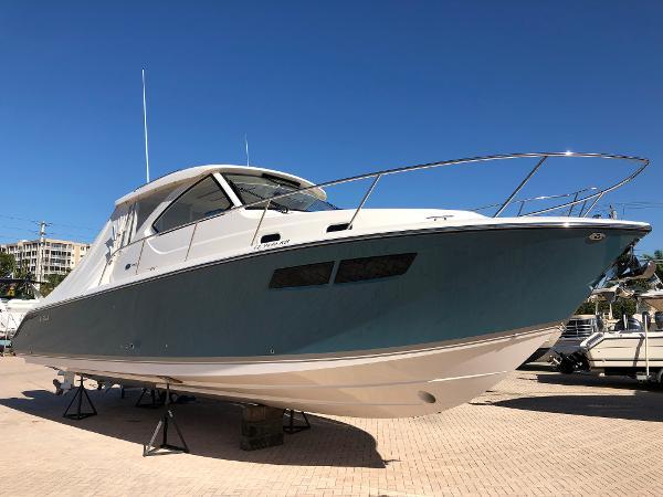 Pursuit 355 Offshore