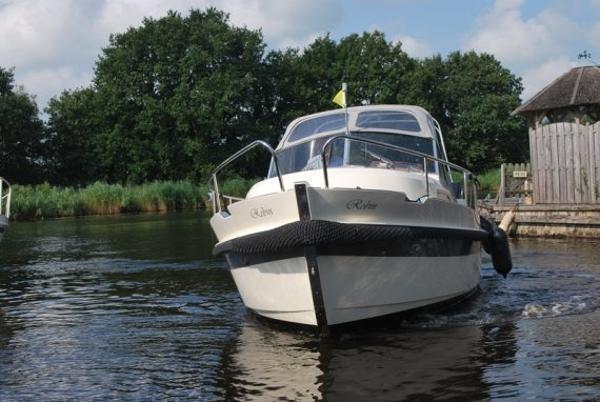 Motoryacht Intercruiser 28