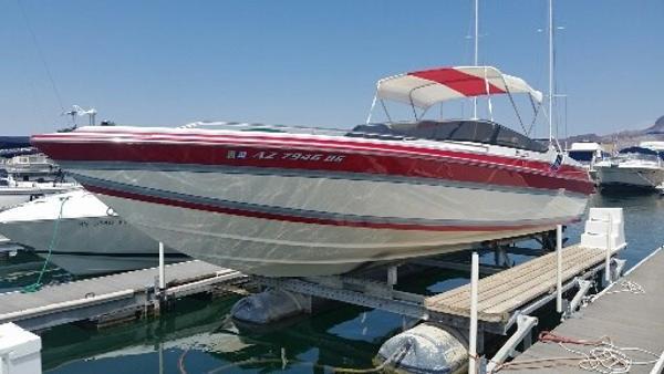 Hallett Boats 300T