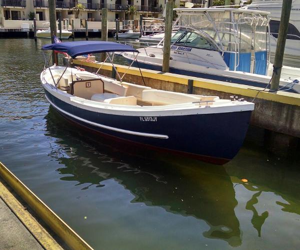 Uniflite Navy Whale Boat