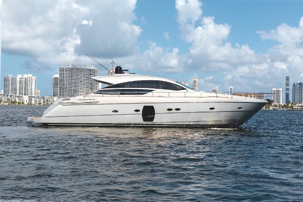 """Pershing 64 2013 Pershing Yachts 64 ''Scorpio III"""" -  Profile"""