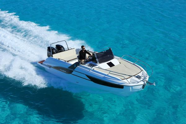 Beneteau Flyer 7.7 SUNdeck Manufacturer Provided Image