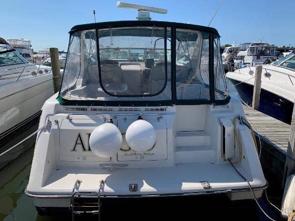 Regal 402 Commodore