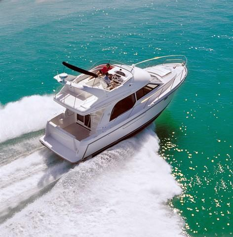 Bayliner 3788 Command Bridge Motoryacht Manufacturer Provided Image: 3788 Command Bridge MY