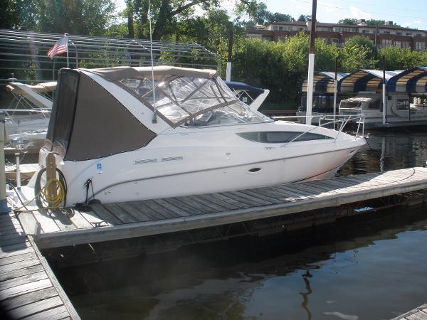 Bayliner 2855 Ciera IN the slip