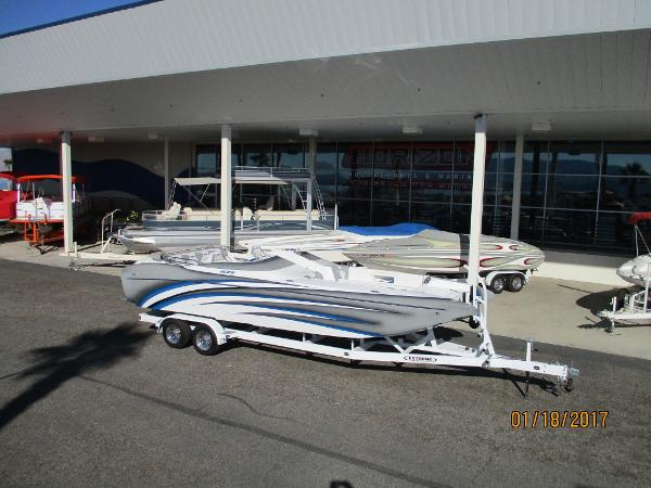 Ultra Boats 26 Shadow Deck