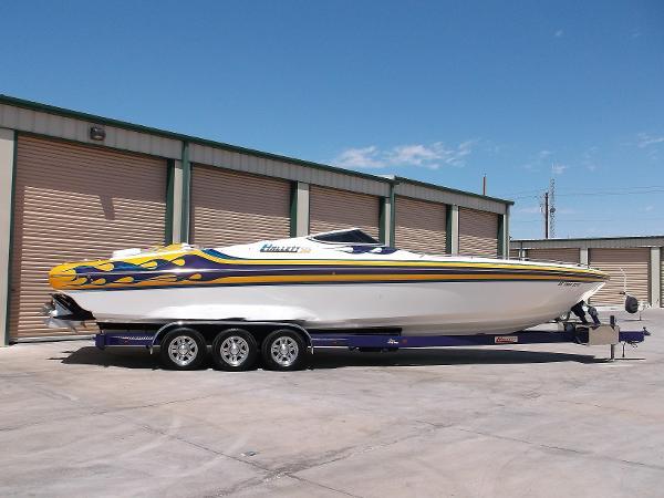 Hallett Boats 360
