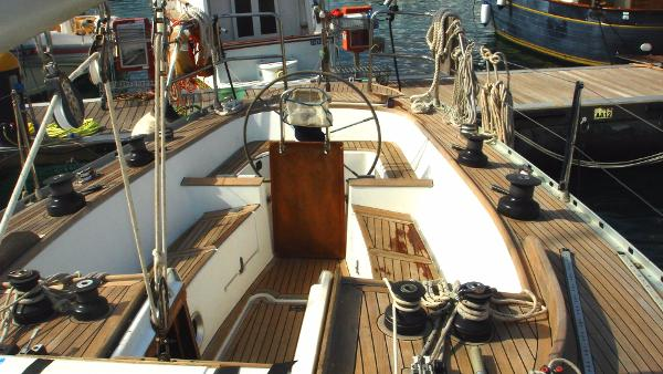 NAUTICA FIBERGLAS ORCA 43