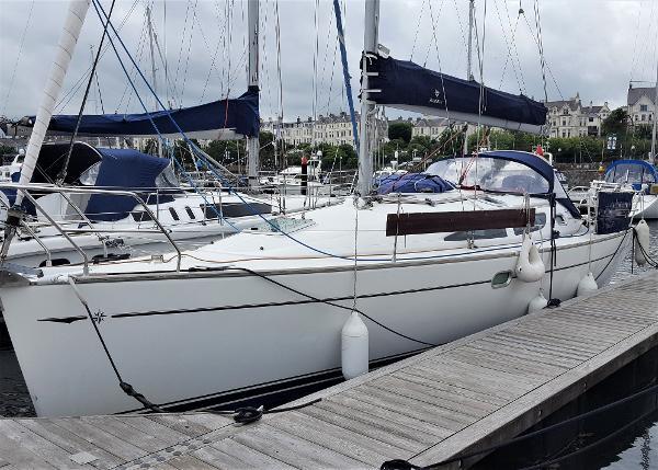 Jeanneau Sun Odyssey 35 Jeanneau Sun Odyssey 35 for sale with BJ Marine