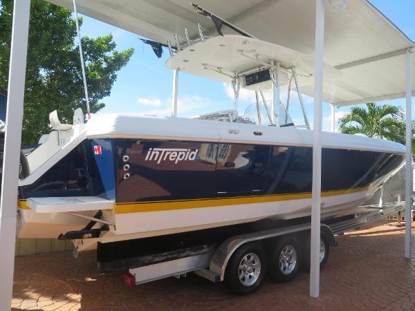 Intrepid 323 Twin 2009 Mercury Verado 300