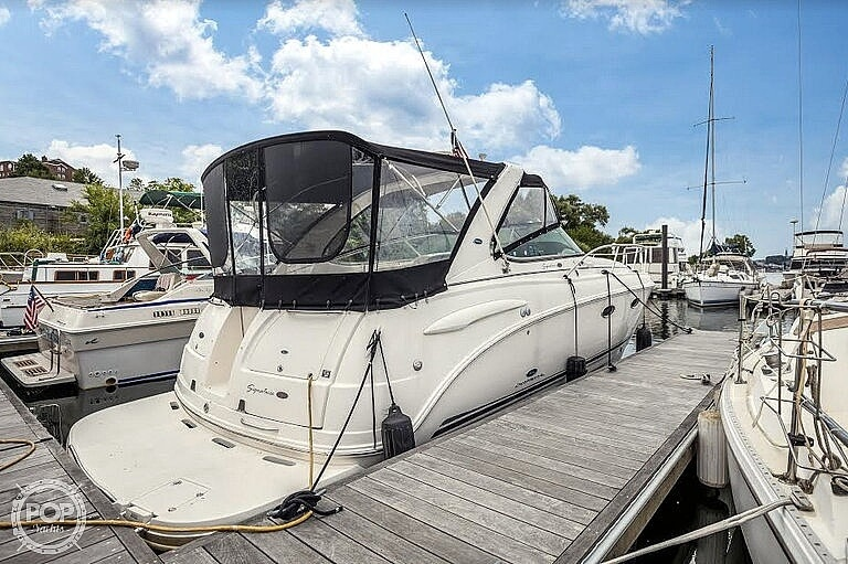 Chaparral Signature 330 2005 Chaparral 33 for sale in Chelsea, MA