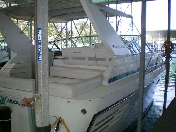 Trojan Boats 390 Express