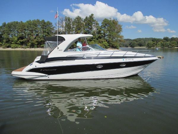 Crownline 340 CR Side view