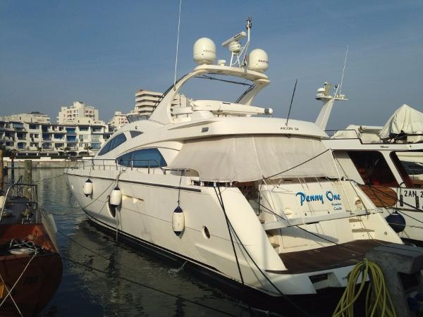 Aicon Yachts 64 Fly Aicon 64 Fly - YEAR 2007 - Timone Yachts