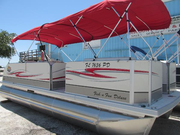 Fiesta Marine 22 ft. Family Fish-N-Fun