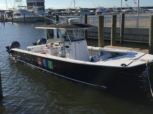 Twin Vee 32 Center Console