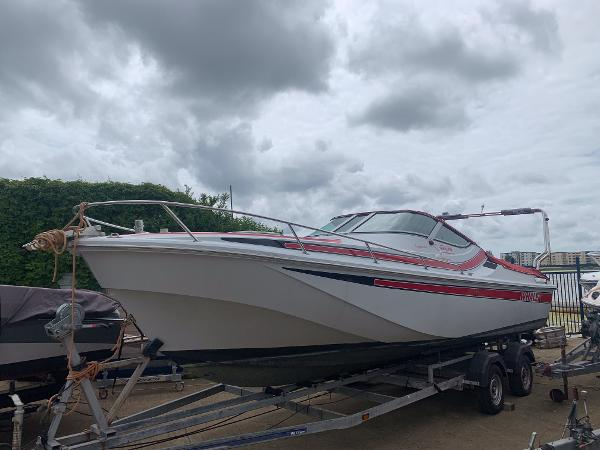 Boston Whaler Temptation 2500