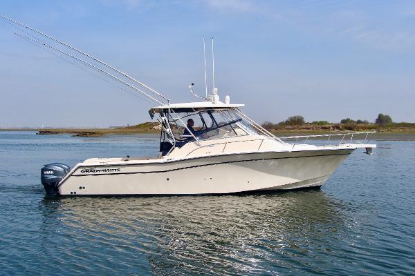 Grady-White 330 Express Starboard Profile