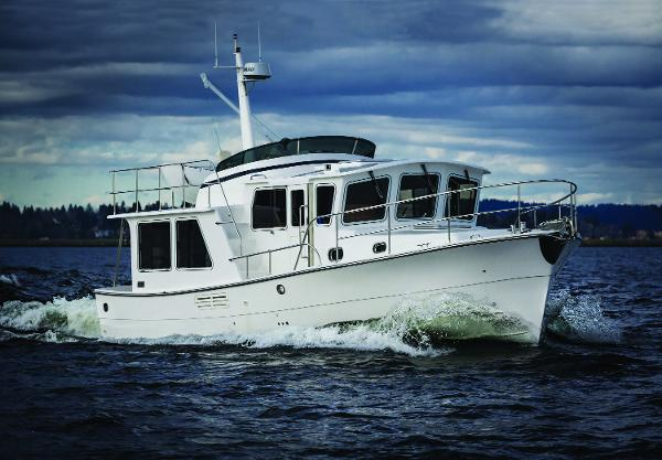 Helmsman 38E Pilothouse Underway