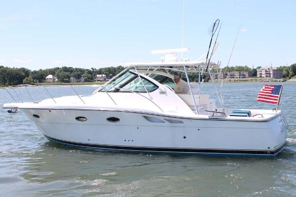 Tiara 3200 Open Profile
