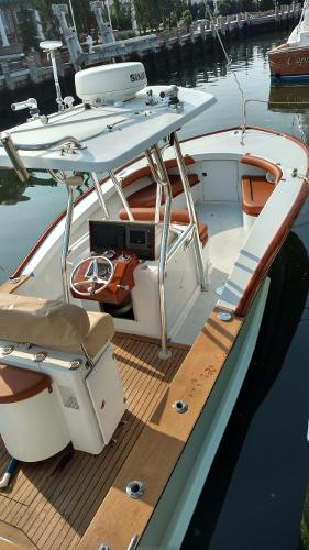Jarrett Bay Center Console Custom
