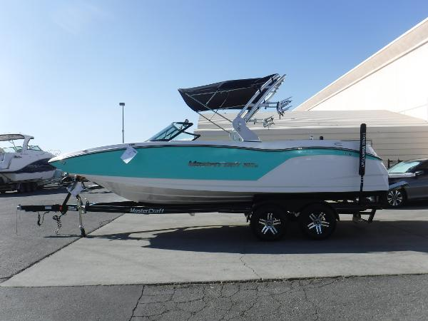 Mastercraft NXT 22 Surf Package