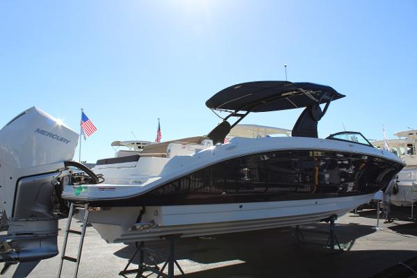 Sea Ray SDX 290 Outboard