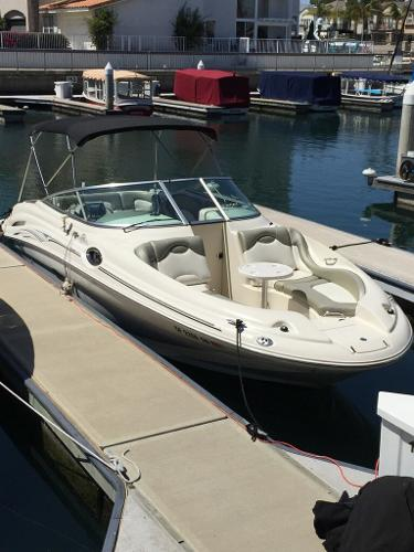Sea Ray 270 Sundeck Just a Smidgee