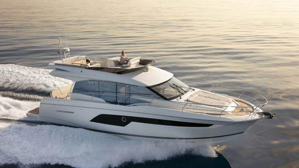 Prestige 520 Flybridge Prestige 520 Flybridge - Factory Photo