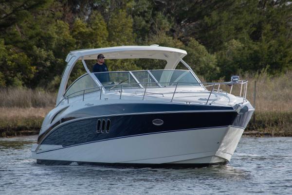 Cruisers Yachts 360 Express