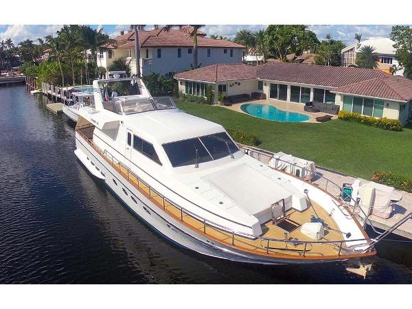 Canados 60 Flybridge Profile