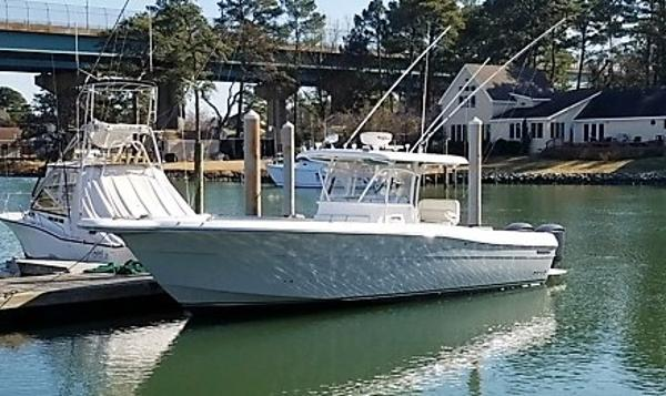 Stamas 340 Center Console Tarpon