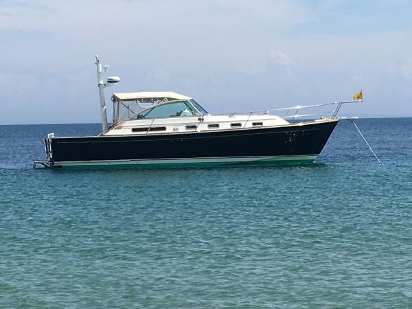Sabre 36 Express Mk Ii At anchor