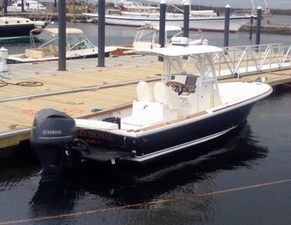 Hunt Yachts Surfhunter 25 CC
