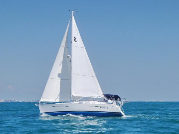 Beneteau 373 FloJo Sailing