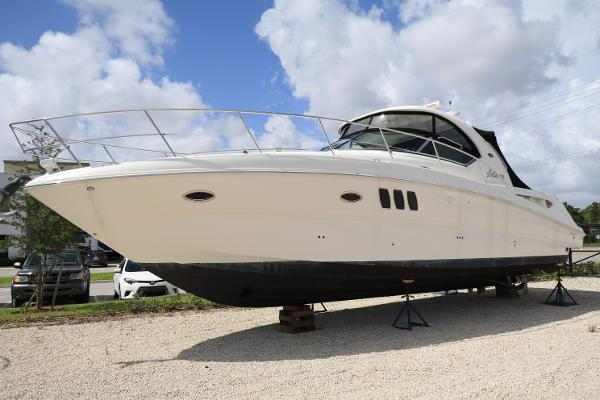 Sea Ray 38 Sundancer Sea Ray 380 Portside