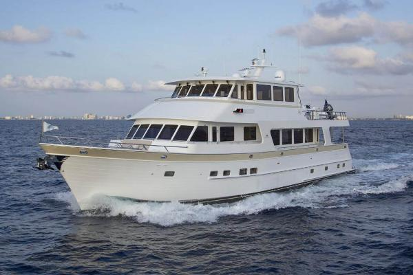 Outer Reef Yachts 860 Deluxbridge Skylounge MY