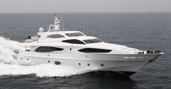 Majesty Yachts 122