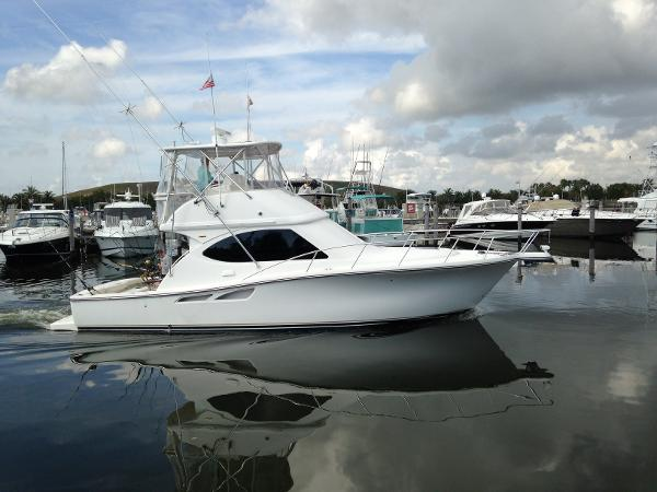 Tiara 3900 Convertible Profile Stbd