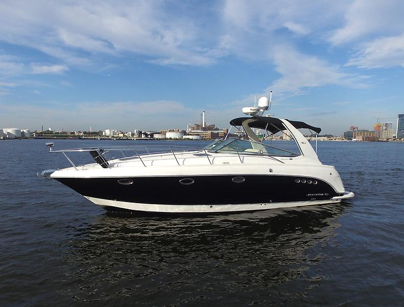 Chaparral 350 Express Chaparral 35 Profile 2.jpg