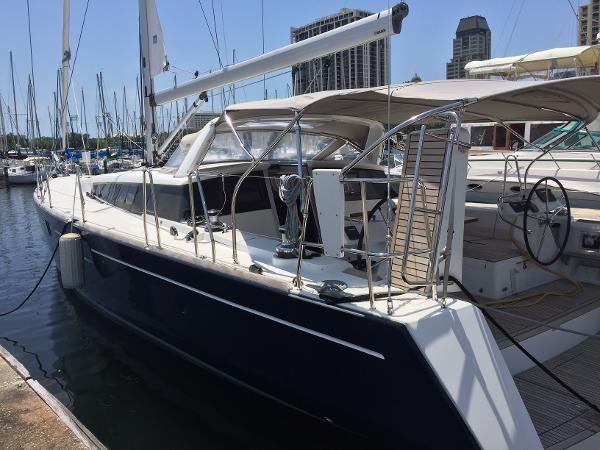 Beneteau Sense 55 Port Side