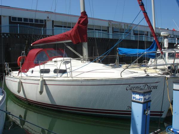 Delphia 29 Delphia 29 - Starboard Side